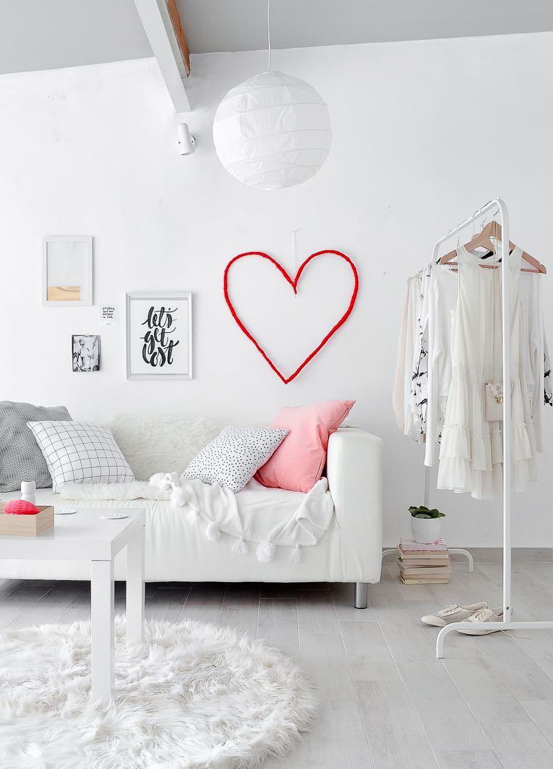 DIY-Wall-Valentine's-Day-Decoration